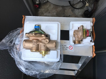 温水器部品交換